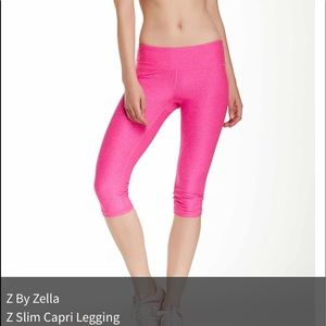 Like a brand new size M leggings Zumba color